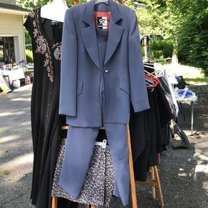 Other - Pant suit